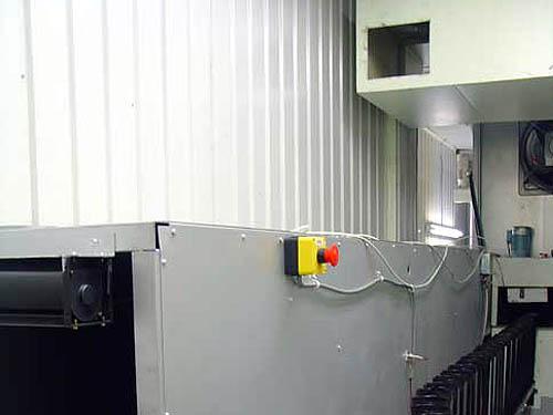 クリーンルーム排気口写真