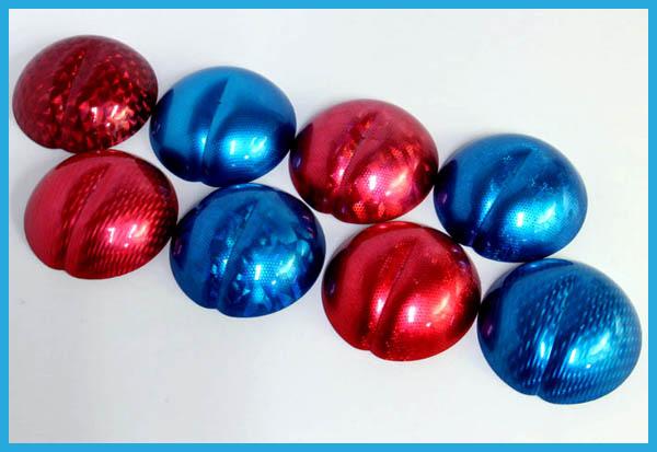 同じ素材でも、先に着色してからホログラム転写を施すと印象が全く変わります。着色するとホログラムフィルムの色が少し分かりにくくなります。